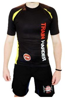 Rash Guard – Train Harder